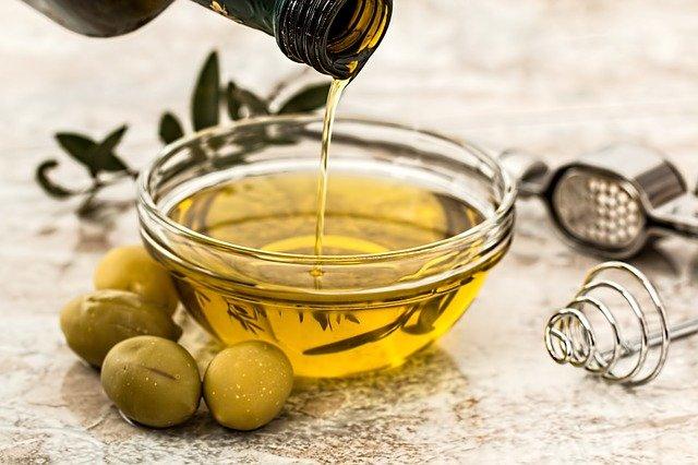 Oliwa to składnik diety mądrych jelit.