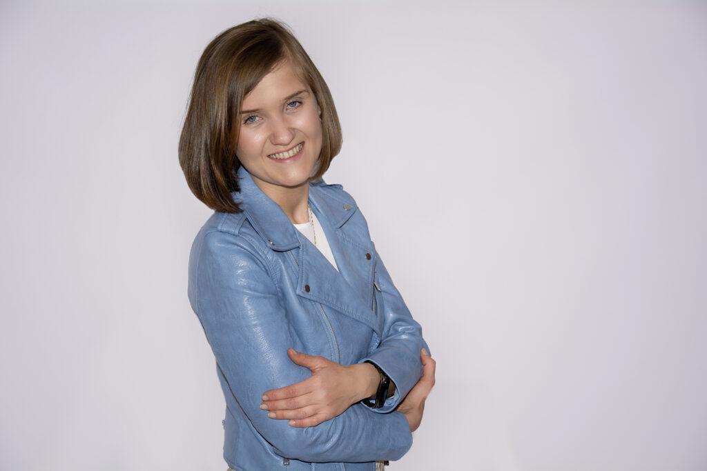 Paulina Wróbel prowadzę dwa blogi od Jelit do Szczęścia oraz Trzy Razy Bez.
